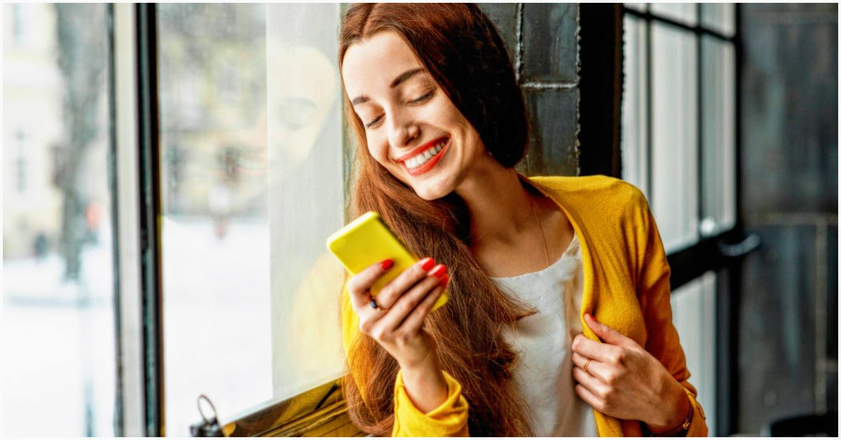 Texting Signs To Look Out For, Based On Each Astrological
