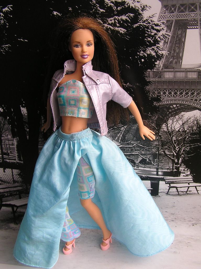 PLAYFUL Denim Mini-Skirt /& Teal Striped Halter Top Outfit Genuine BARBIE